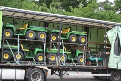 Transport van Divaco Gators (John Deere)